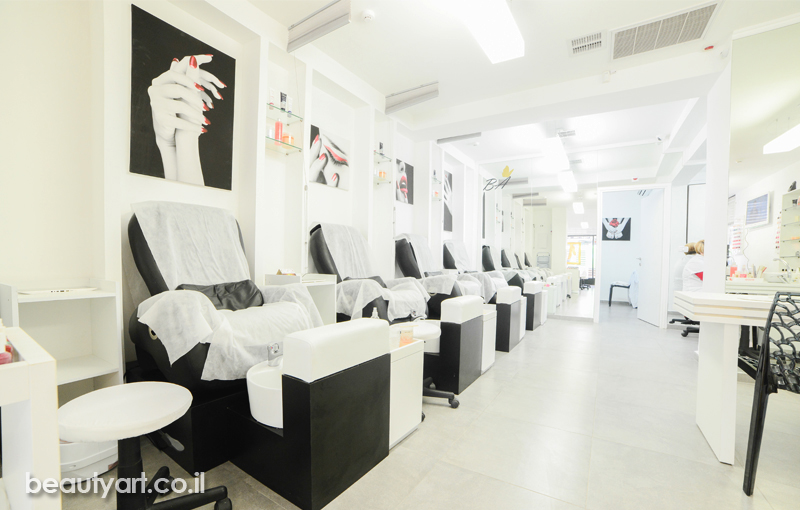 Beauty Salon Best In Tel Aviv Manicure